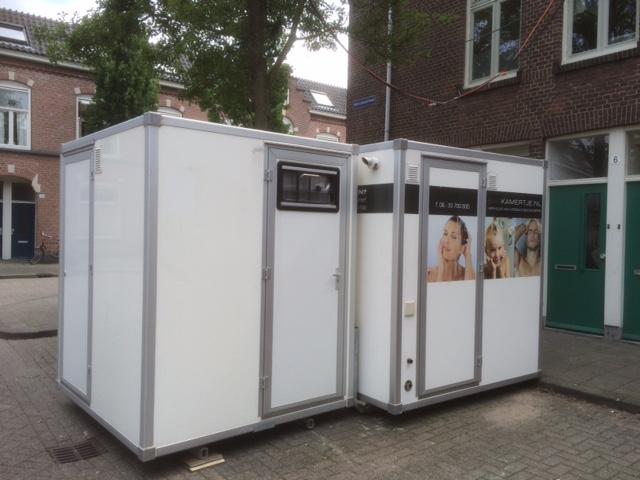 Twee Mobiele Badkamers Den Bosch - vd Kapelle Verhuur
